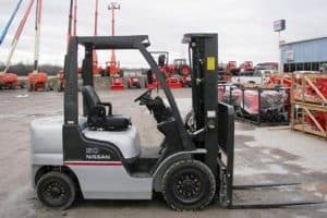 Nissan 1F1 and 1F2 forklift service manual