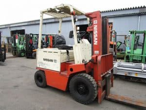 Nissan B01 and B02 Forklift Operation Manual